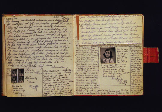 anne-frank-diary-open